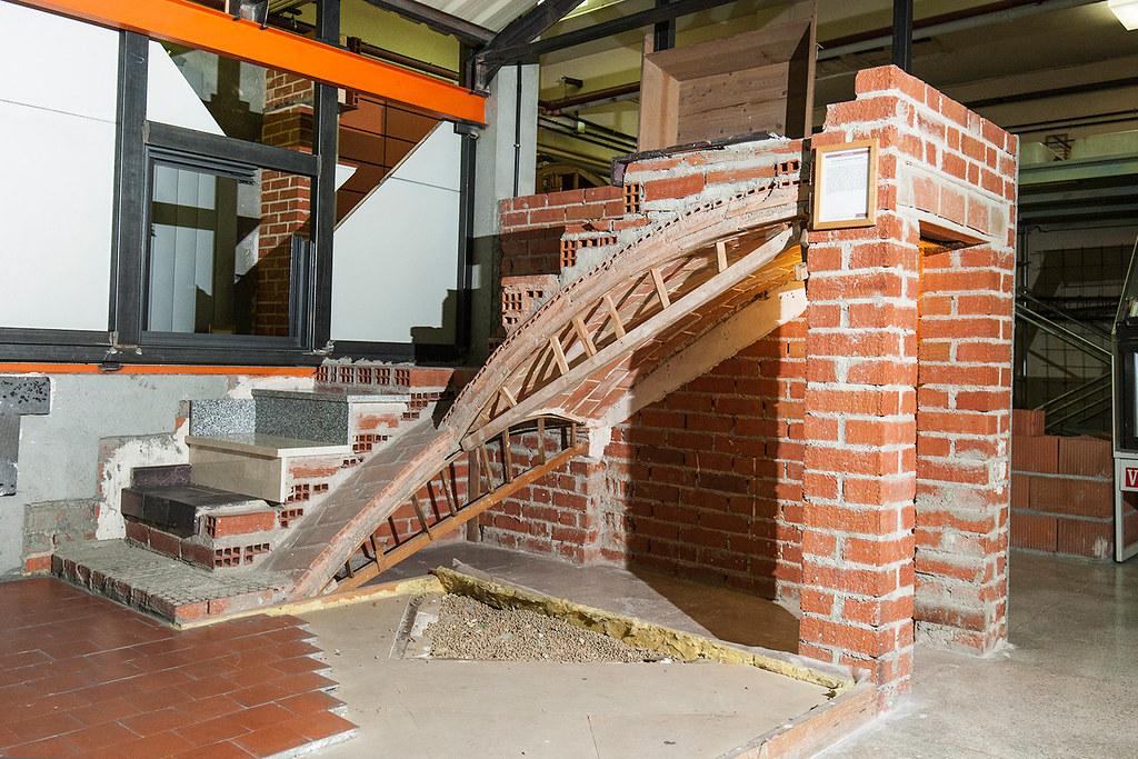 Aula museo de construcci n etsem dcac las b vedas tabica - Escaleras de ladrillo ...