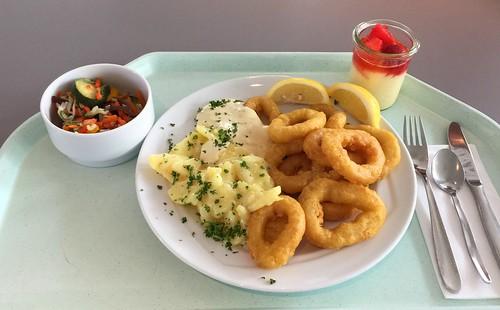 Calamari with potato salad &  remoulade / Calamari mit Kartoffelsalat & Remoulade