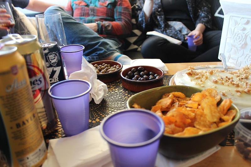 Festivities, Et dryss kanel