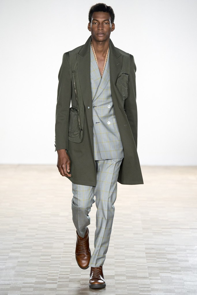SS16 London Hardy Amies012_Ty Ogunkoya(VOGUE)