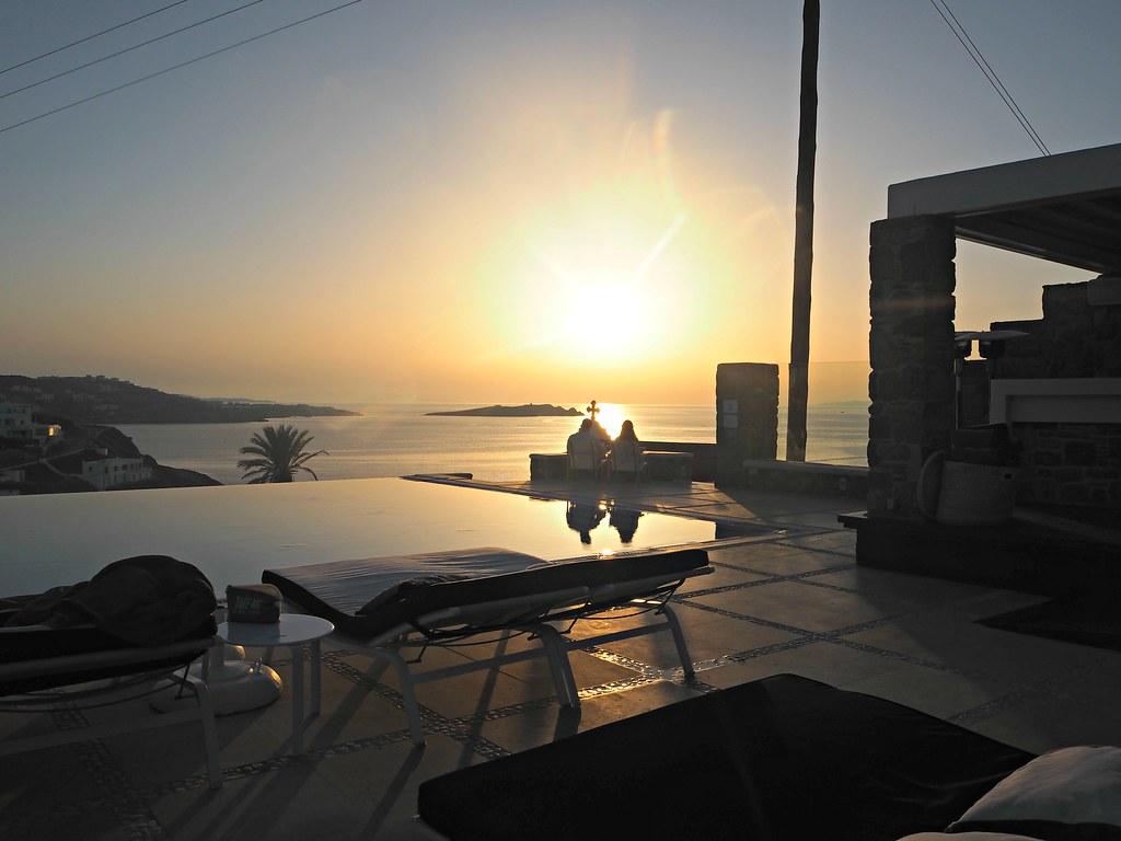 Bill & Coo suites mykonos sunset cocktails