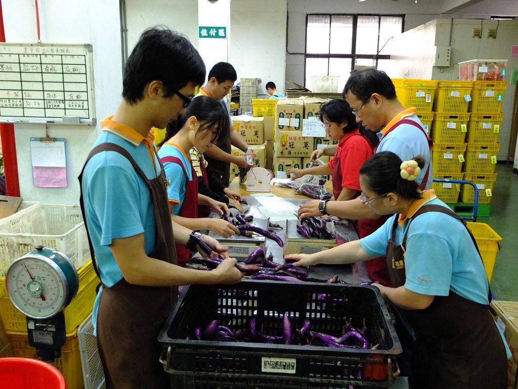 現在福業公司的物流現場有不少人專門負責理貨。
