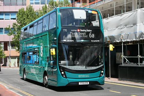 Reading Buses 770 on Route 6a, Reading Station