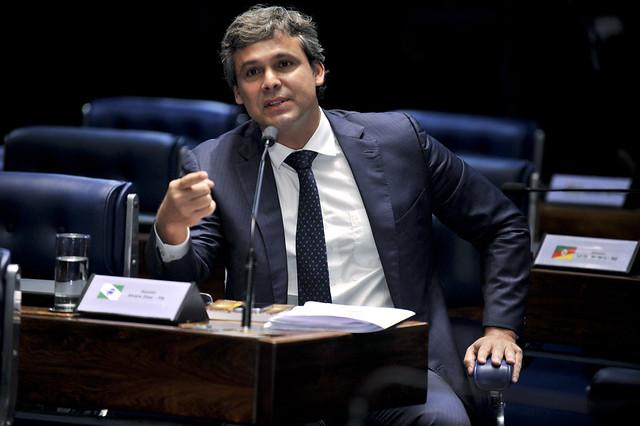 Senador do Rio de Janeiro será candidato à presidência do PT, Plenário do Senado