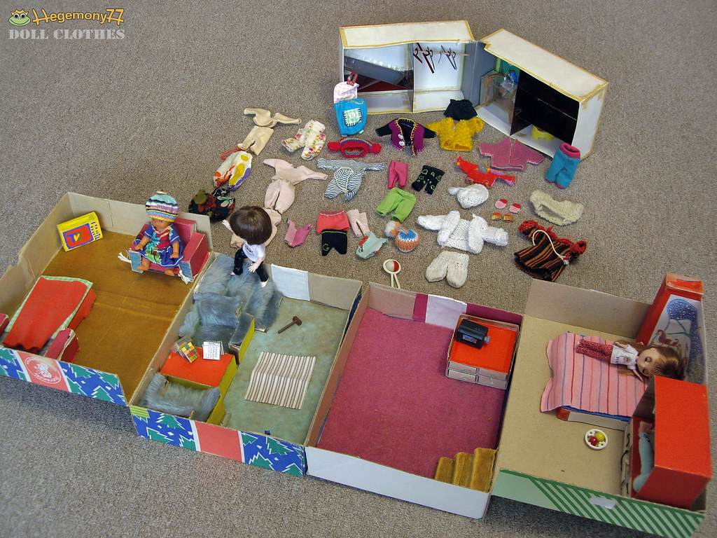 Past And Present 3 Doll Houses Rooms Doll Furniture Ac Flickr