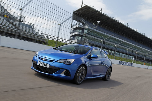 Vauxhall Astra VXR at Rockingham | by upcomingvehiclesx
