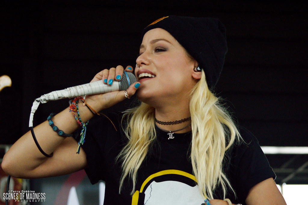 Jenna McDougall | Tonight Alive performs on the Domo Stage