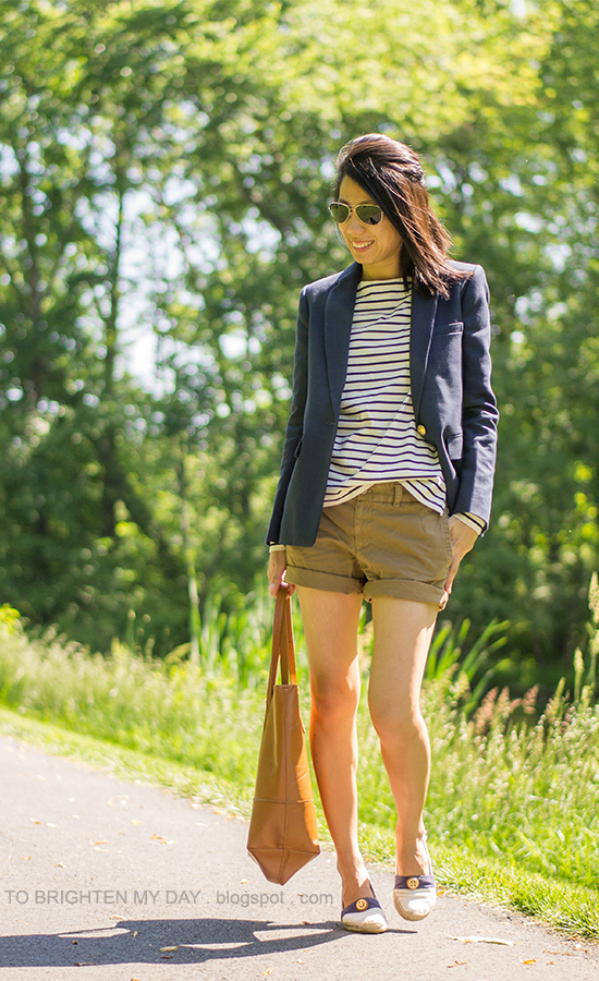 long navy blazer, striped top, cargo shorts, cognac brown tote, espadrilles