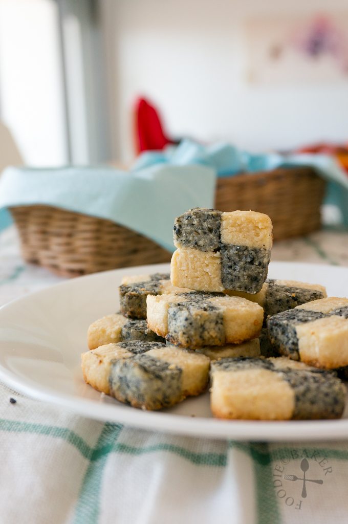 Sesame Chequered Cookies