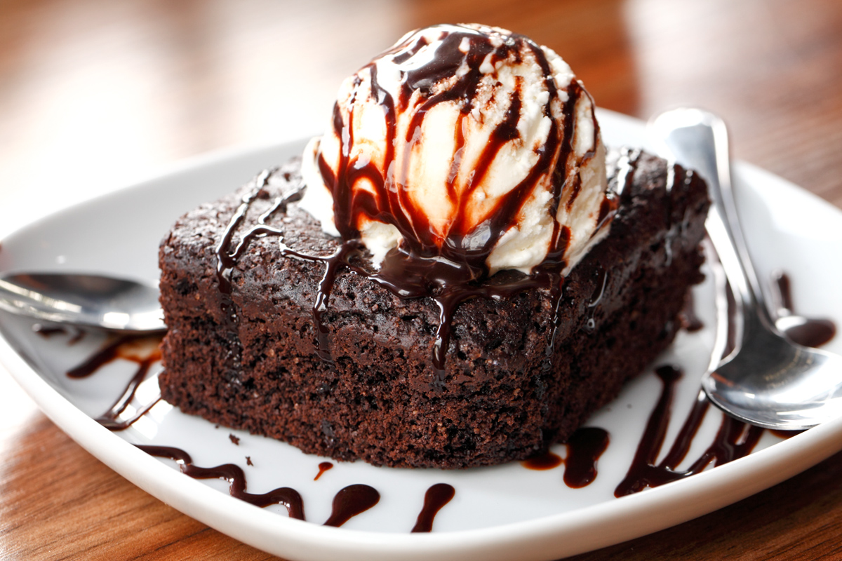 Hermanos Brownie with Ice Cream