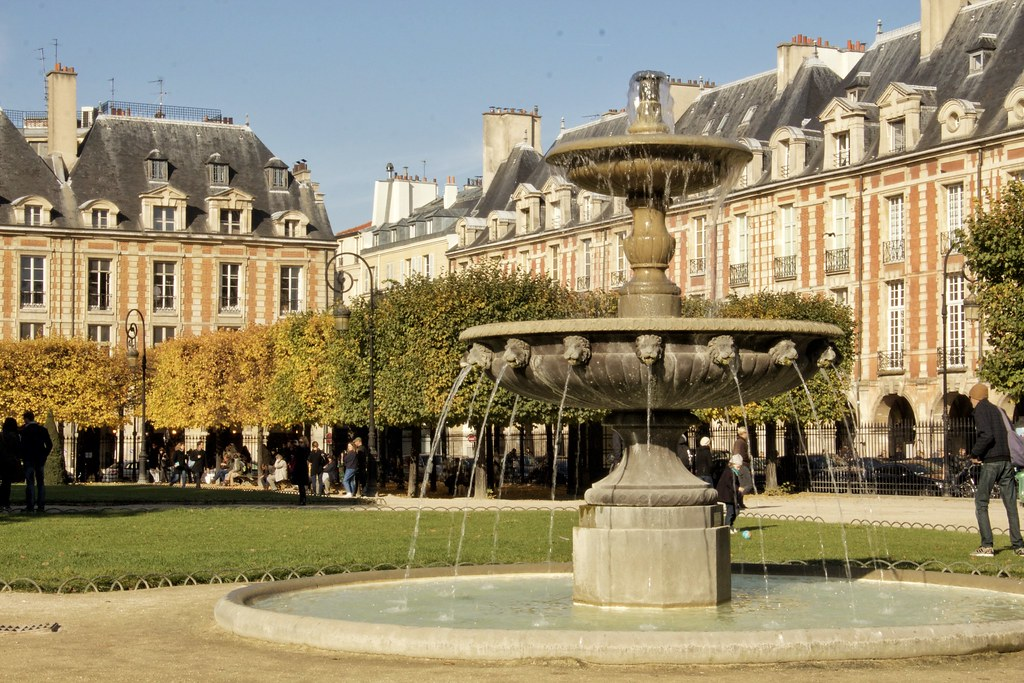 Place des Vosges, 24 hours in Paris guide