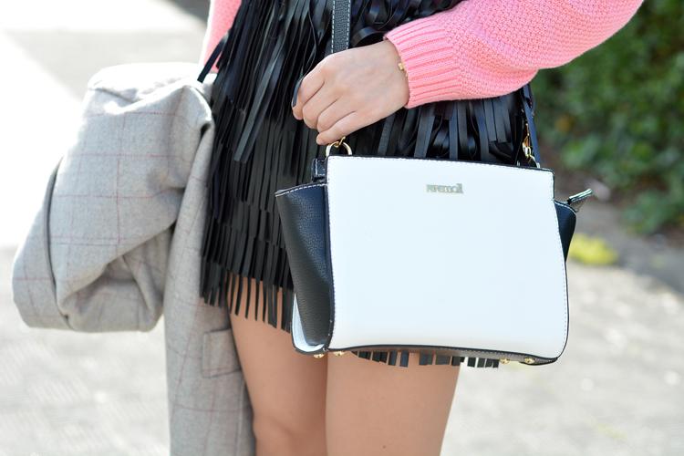 Zara_ootd_outfit_pullandbear_coral_fringes_pepemoll_07
