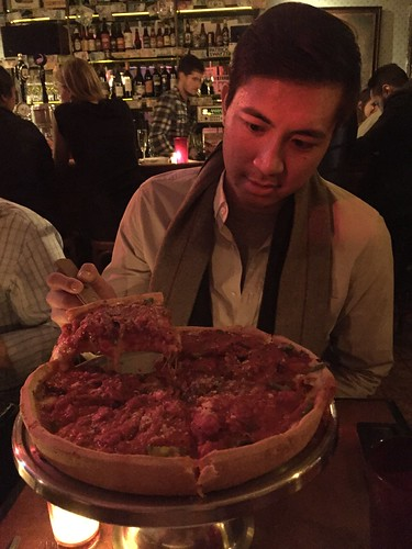 Emmetts nyc deep dish pizza