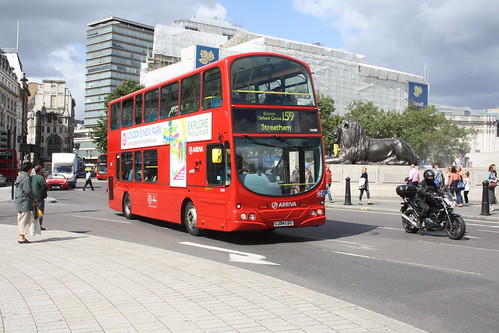 Arriva London South DW88 LJ04LGC