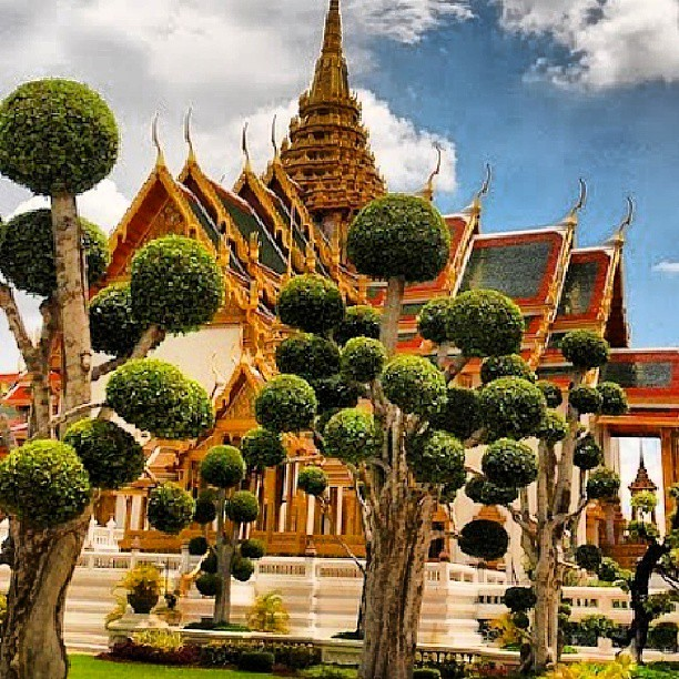 King 39 S Palace In Bangkok King Thailand Beautiful Pla Flickr