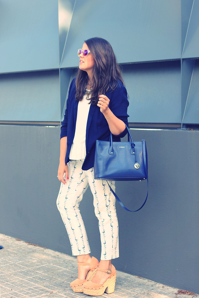 Look pantalones estampados