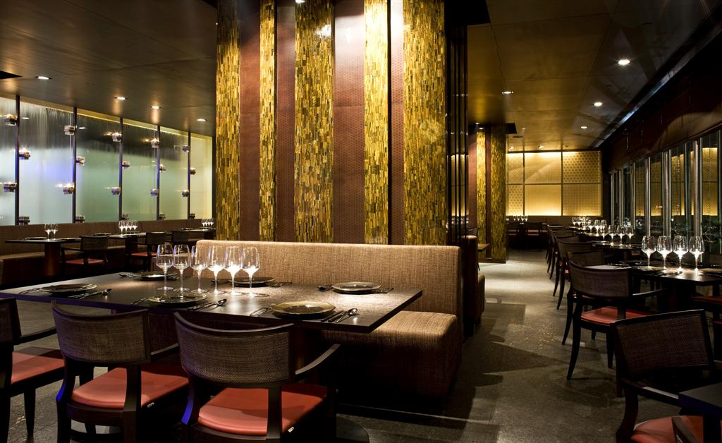 Le meridien new delhi contemporary indian fine dining rest for Akbars contemporary indian cuisine