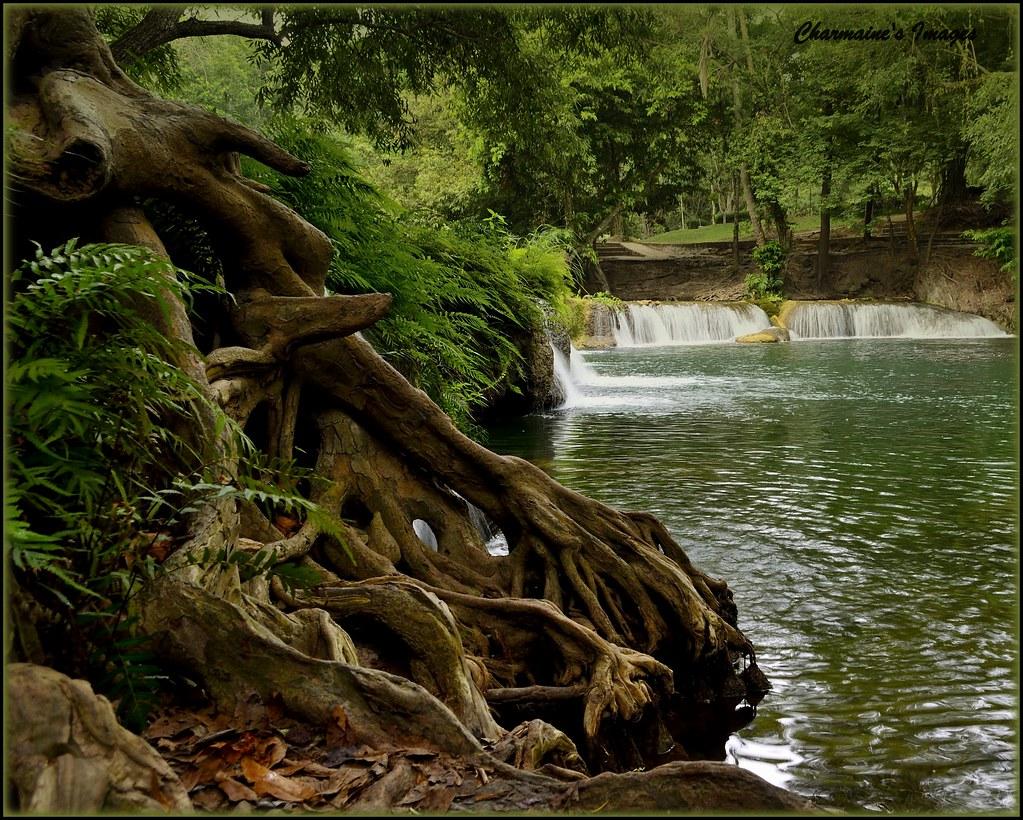 Home Of The Hobbits A River Runs Through Muak Lek And