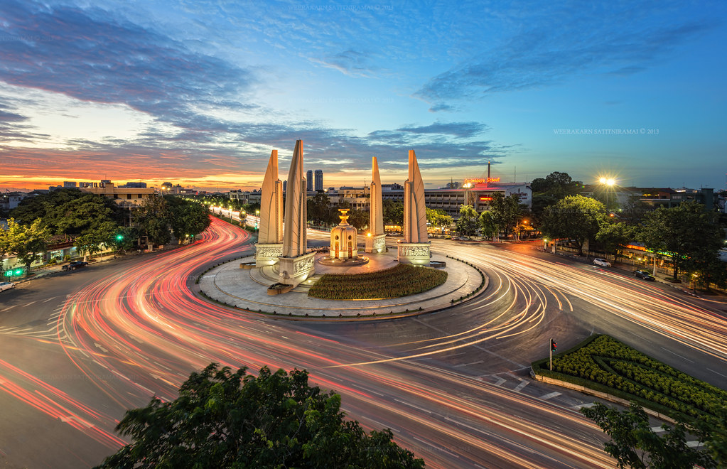 The Democracy Monument  Light Trail on Ratchadamnoen Road ...