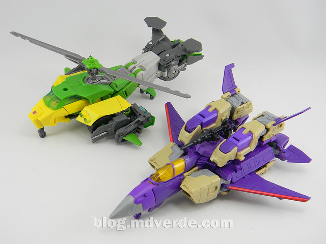 Transformers Blitzwing Voyager - Generations - modo Jet vs G1 vs Springer