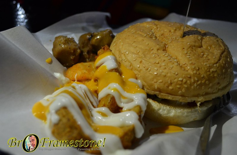 Monster Combo - A&J Burger Grill, Sungai Buloh