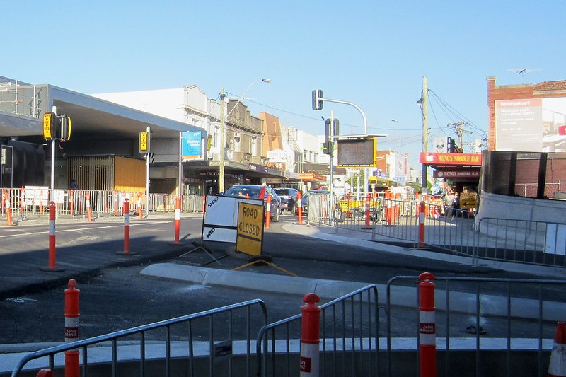 Bentleigh station/Centre Road