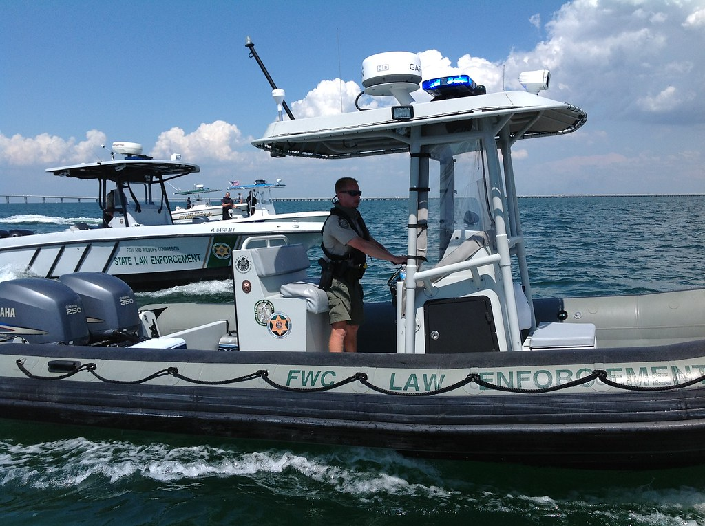 Fwc boats fwc officers wear pfds when on the water for Florida fish and wildlife jobs