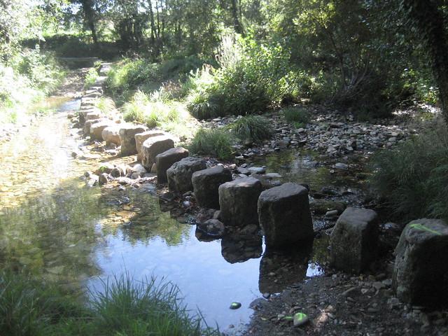 Pasos de Brazos en el río Coroño