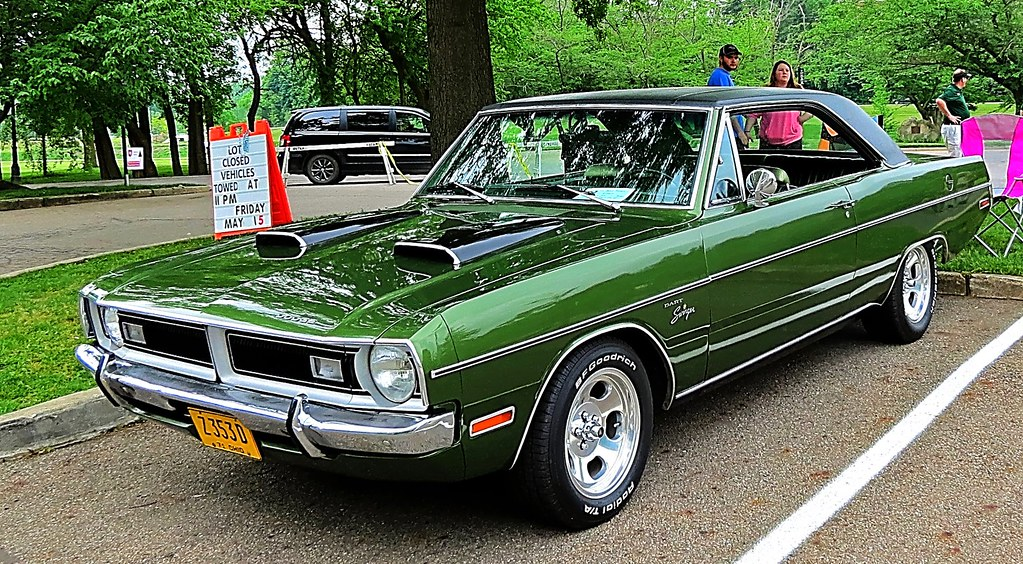 """1971 Dodge Dart """"Swinger"""" 