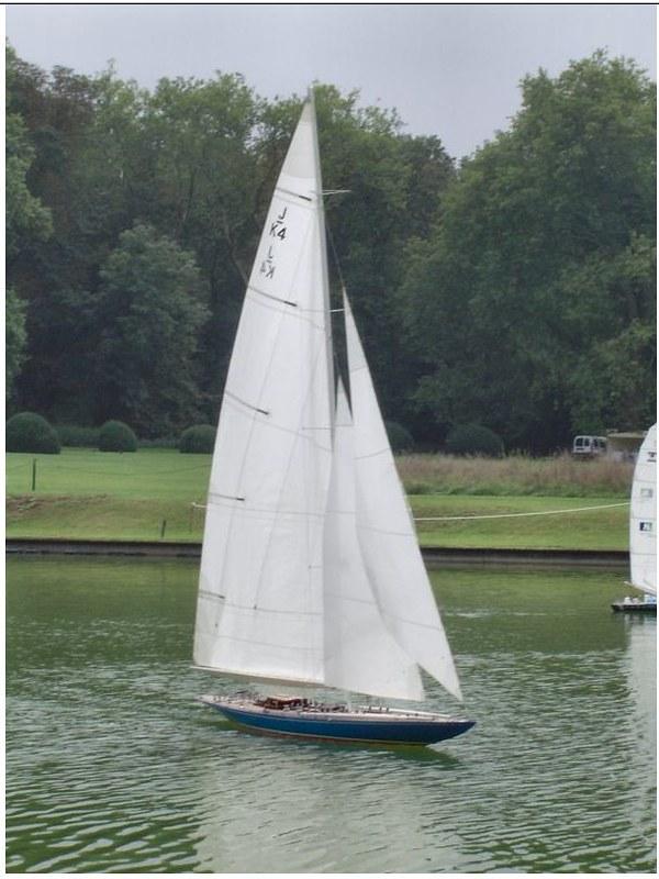 Endeavour sailboat model 17213185165_20d00fa169_c