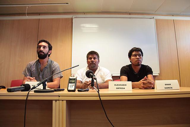 """""""Volem informar a la societat civil i denunciar la greu crisi en matèria de drets humans a Mèxic"""" va afirmar l'advocat Román Hernández, en una roda de premsa al Col·legi de l'Advocacia a BCN #ayotzinapa"""