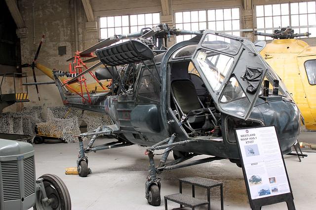 XT437
