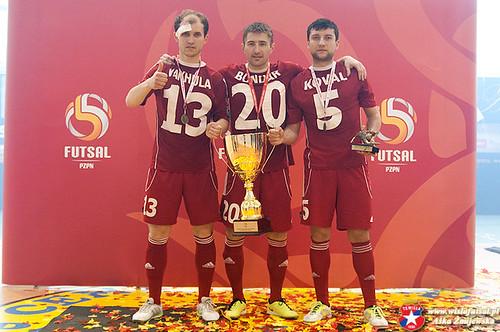 Рівнянин подарував Кракову КубокПольщі з футзалу