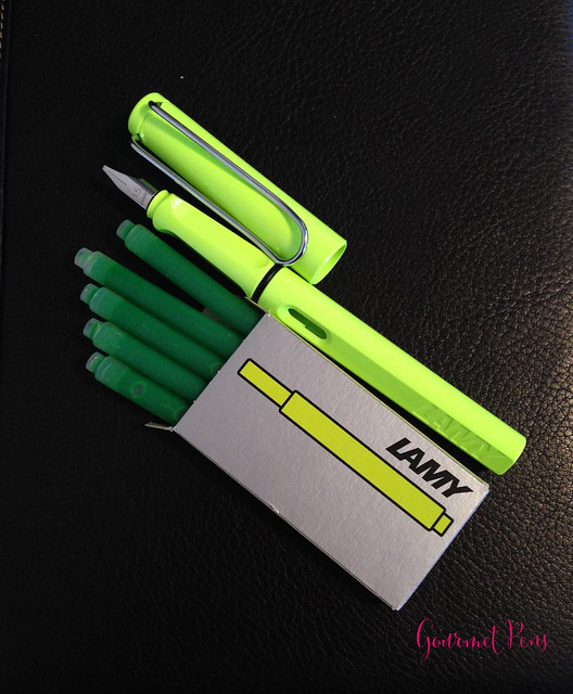 Ink Shot Review Lamy Neon Lime Ink @Fontoplum0 @Lamy (1)