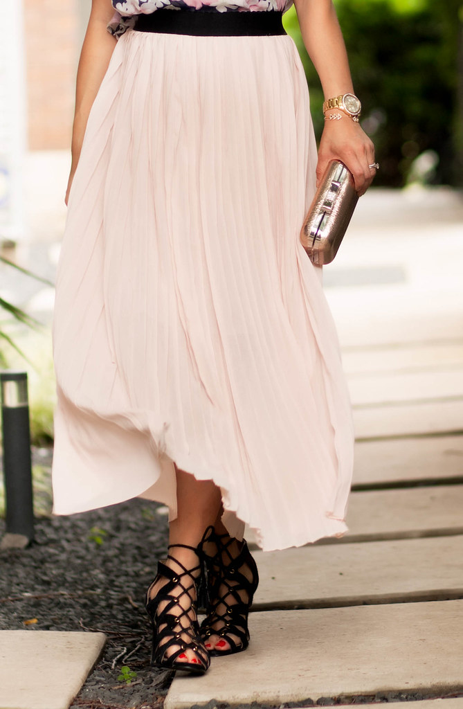 cute & little blog | petite fashion |pink pleated chiffon maxi skirt, lace up sandals | spring summer outfit