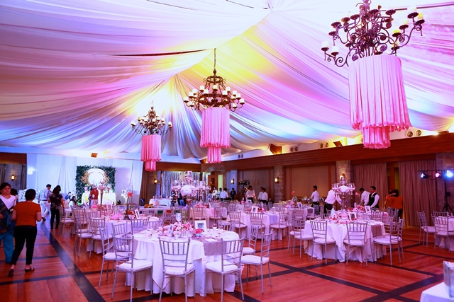 ceiling ribbon chandelier (1)