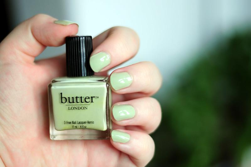 notd-butter-london-bossy-boots-nail-polish-rottenotter-rotten-otter-blog