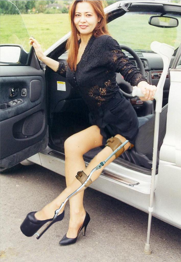 Paraplegic wearing high heels 3
