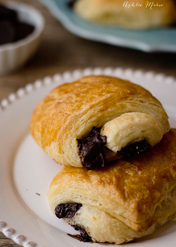 come get the recipe and a video tutorial to make your own pain au chocolate (or chocolate filled croissants)