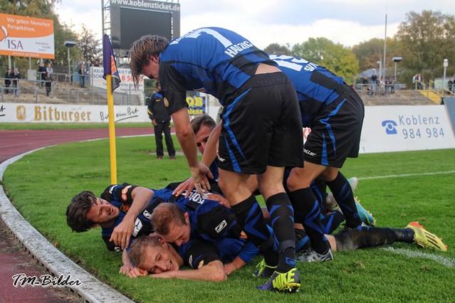 TuS Koblenz - Kickers Offenbach 2:1 30650802485_b1ecfa7706_z