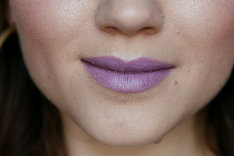 Make-Up Studio Airy Lilac lipstick, make-up studio, make-up studio lipstick, lila lipstick, paarse lipstick, make-up studio amsterdam, make-up studio webshop, make-up studio airy lilac, beautyblog, fashion blogger, fashion is a party, grijze lipstick, make-up studio review