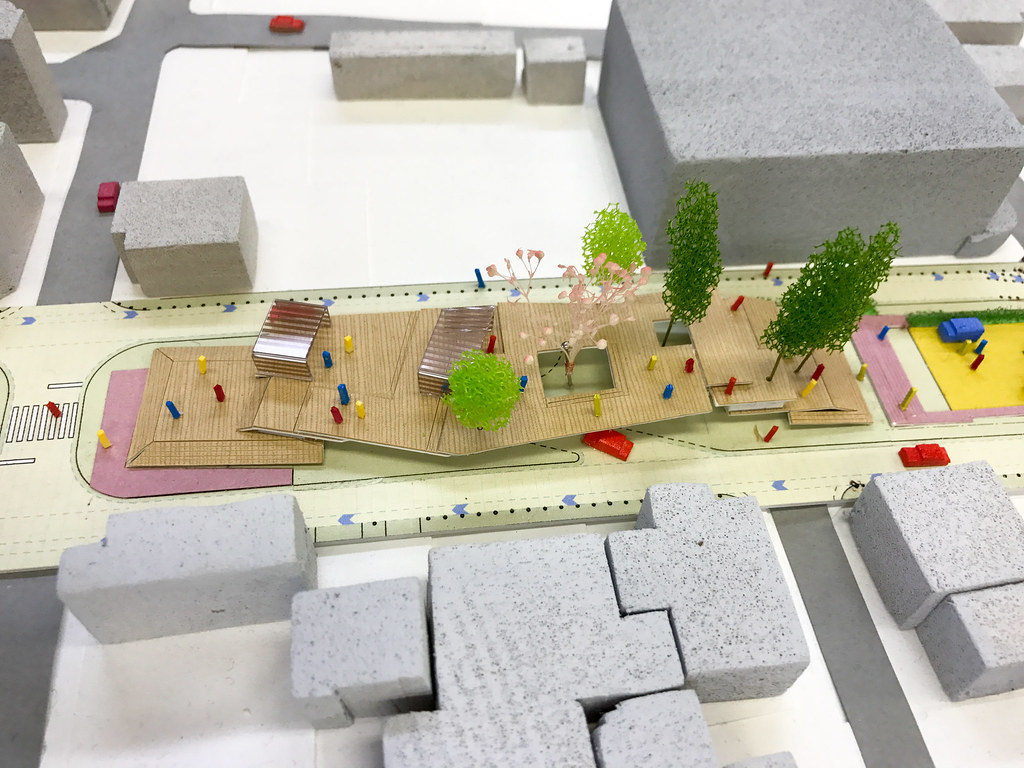 模型:B2 河岸段丘を活かした大階段のテラス