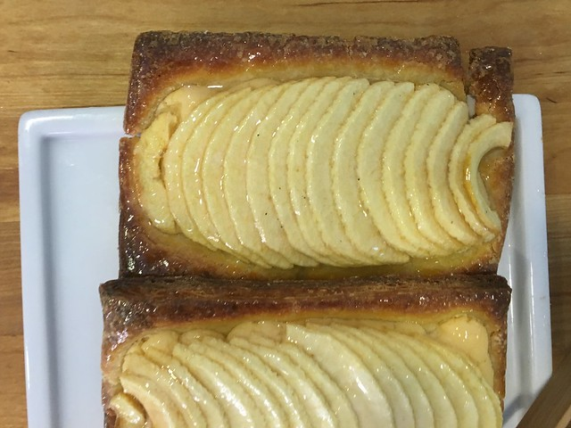 gluten-free apple tarts at Celiadictos Barcelona