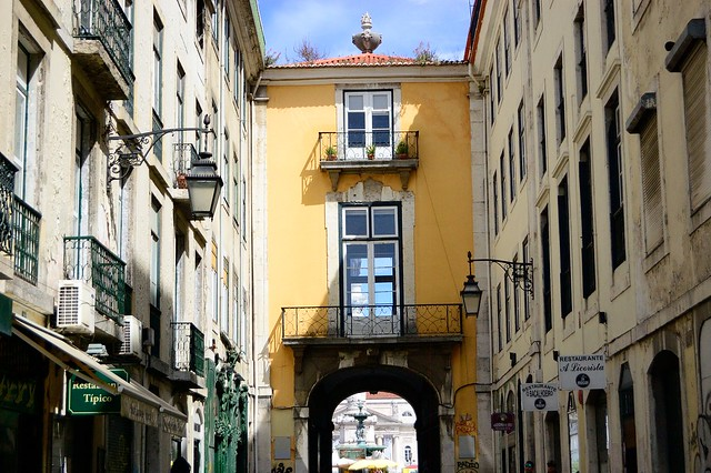 Lisbon archway | The Streets of Lisbon | No Apathy Allowed