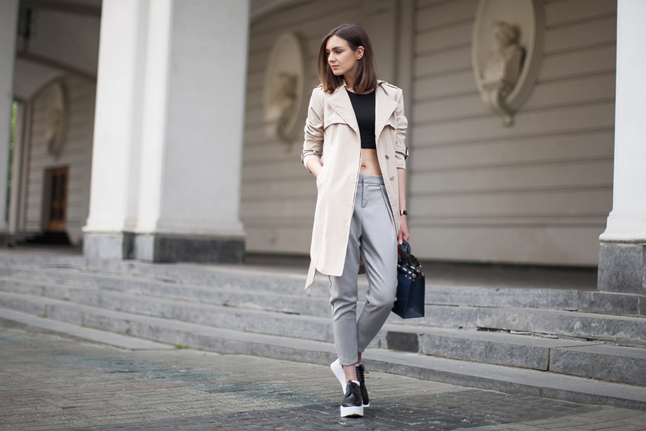 trench-coat-sport-chic-outfit-street-style
