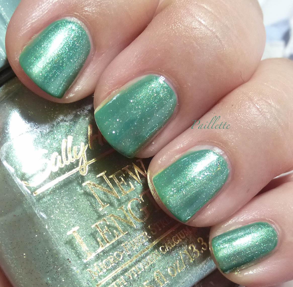 Paillette: a little nail polish journal: Cutting Sally Hansen A ...