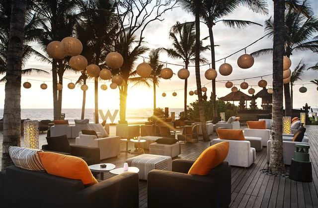 W Retreat & Spa Bali - Seminyak—Woobar - Woodeck
