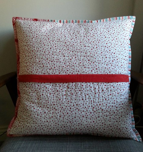 And the back of my first #Christmascushionalong cushion.
