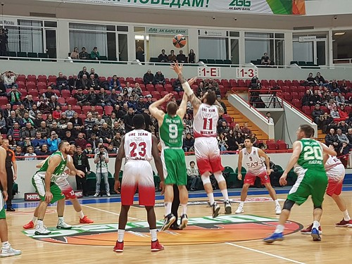 Pochissima difesa, poca energia, a Kazan è 79-100
