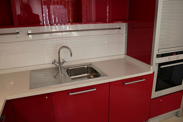 Dise o de cocinas en aranjuez cocina moderna lacado rojo m - Modelos de cocinas modernas ...